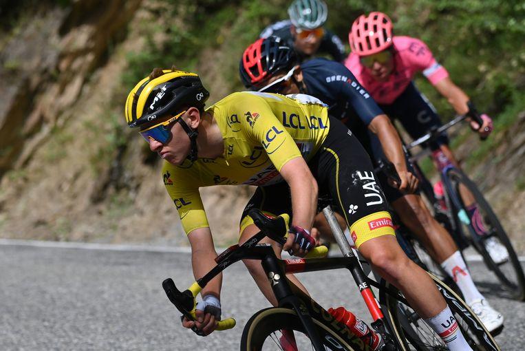 Pogacar zondag op weg naar Andorra. Beeld BELGA