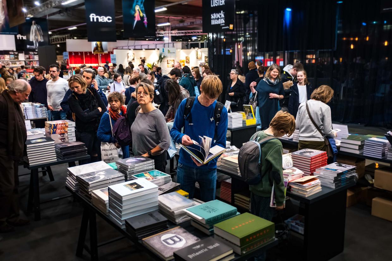 Drukte tijdens de Boekenbeurs van 2019.  Beeld Benoit De Freine
