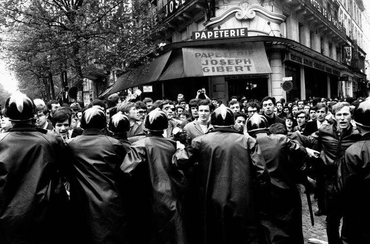Studenten in Saint-Michel, Parijs. Zij hadden het eigenlijk vrij goed. Beeld Gamma-Rapho via Getty Images