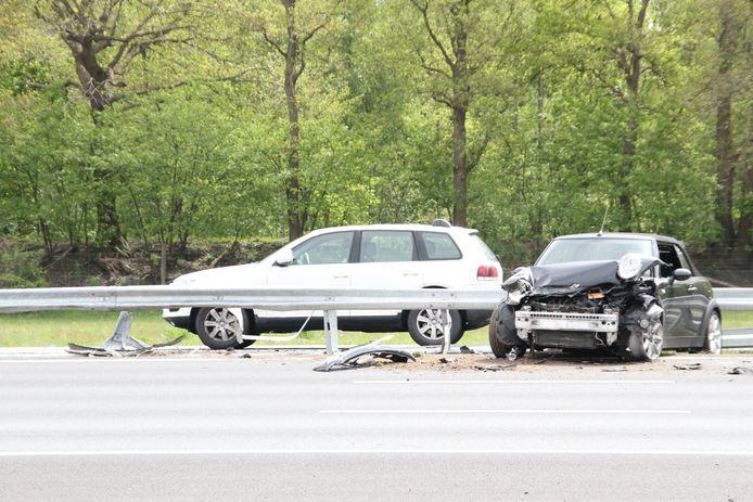 Schade na het ongeluk op de A!