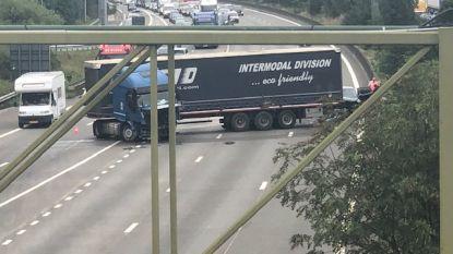 """""""Lang uitgesponnen avondspits"""" op Antwerpse ring door ongeval richting Gent"""