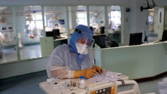 OVERZICHT. Aantal coronapatiënten in ziekenhuizen blijft stevig dalen