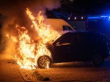 Twee auto's in brand in Nijmegen, politie vermoedt brandstichting