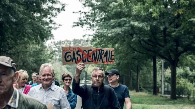 """Bezorgde Looienaars wandelen uit protest tegen grootste gascentrale van ons land in Tessenderlo: """"Vergas ons niet"""""""