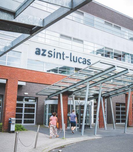 Patiënt (74) geeft verpleger van AZ Sint-Lucas slag op het hoofd met metalen buis: 12 maanden cel gevraagd