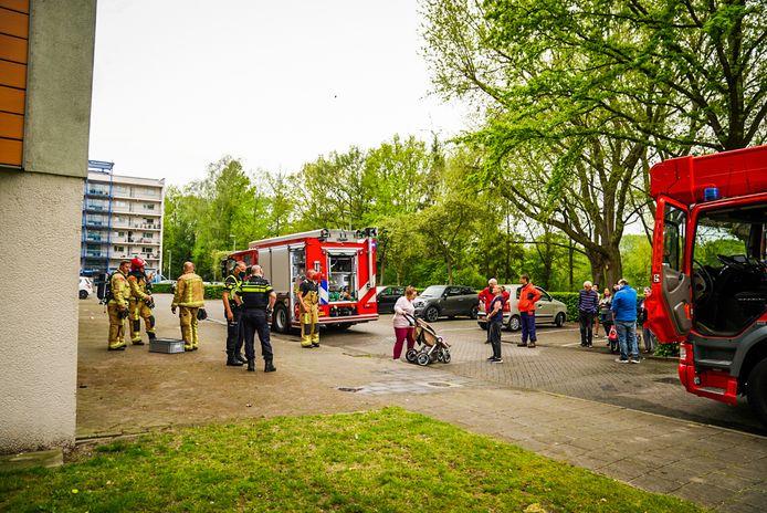 De bewoners van een appartementencomplex aan de Vuurvlinderstraat in Eindhoven hebben dinsdagmiddag rond 16.00 uur een flinke knal gehoord.