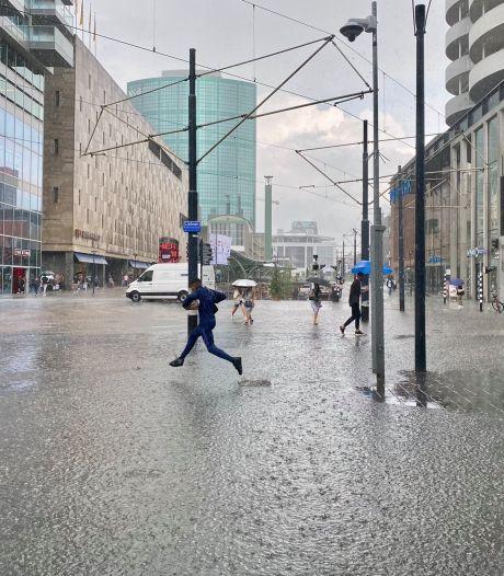 Koopgoot wordt koopsloot: wateroverlast in Rotterdamse regio door hevige regenbuien