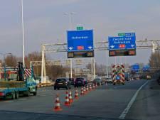 A16 aankomend weekend grotendeels dicht vanwege asfaltering: extra reistijd onvermijdelijk