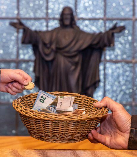 Kerken kunnen volle zakken collectegeld amper meer kwijt nu bankfilialen en automaten verdwijnen