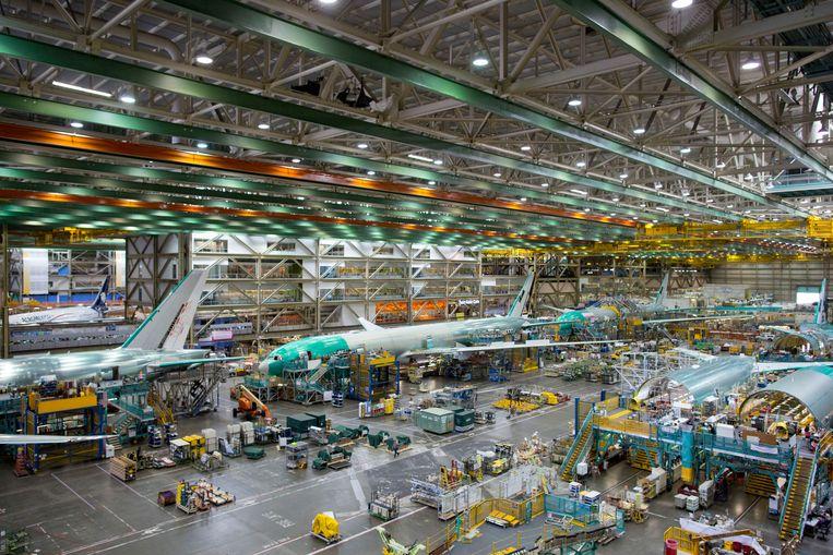 De assemblagehal waar Boeing zijn 777-vliegtuigen in elkaar zet. Beeld Getty