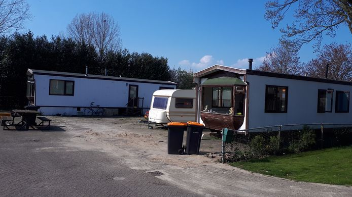 In Rijssen mogen de bestaande woonwagens op het erf aan de Reigerstraat iets groter worden.