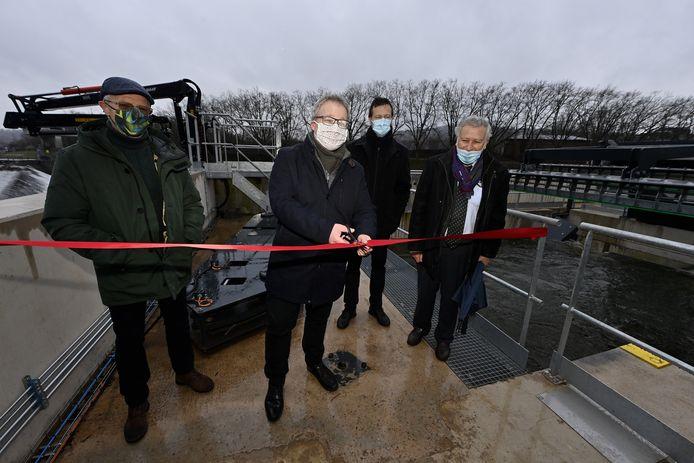 De waterkrachtcentrale werd door de Waalsee minister van Energie, Philippe Henry (Ecolo), ingehuldigd.