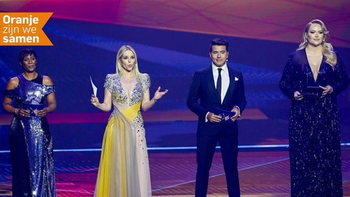 Presentatoren Edsilia Rombley, Chantal Janzen, Jan Smit, Nikkie de Jager (l-r) tijdens de eerste dress rehearsal van de eerste halve finale van het Eurovisiesongfestival.