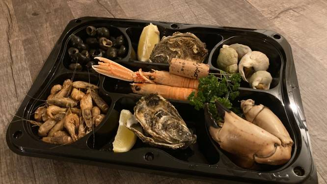 """LEKKER LOKAAL. Takeaway bij De Oesterput in Blankenberge: """"Een hele avond verse vis aan een correcte prijs"""""""