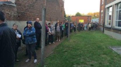 Stembureau te laat open: lange rij wachtenden