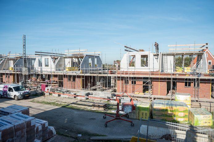 De gemeente Schouwen-Duiveland hoeft niet mee te werken aan de bouw van achttien eengezinswoningen aan de straten Peilschaal en Winterpeil in nieuwbouwgebied Noorderpolder in Zierikzee.