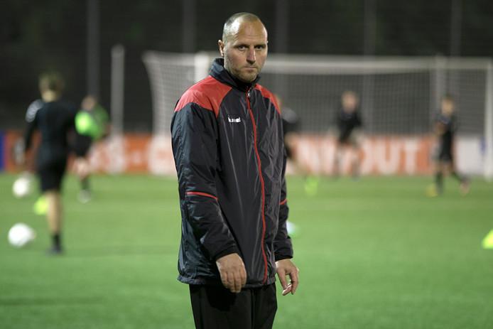 Het HBS van trainer Marcel Koning, hier op archiefbeeld, kreeg een flinke domper te verwerken tegen OJC Rosmalen.