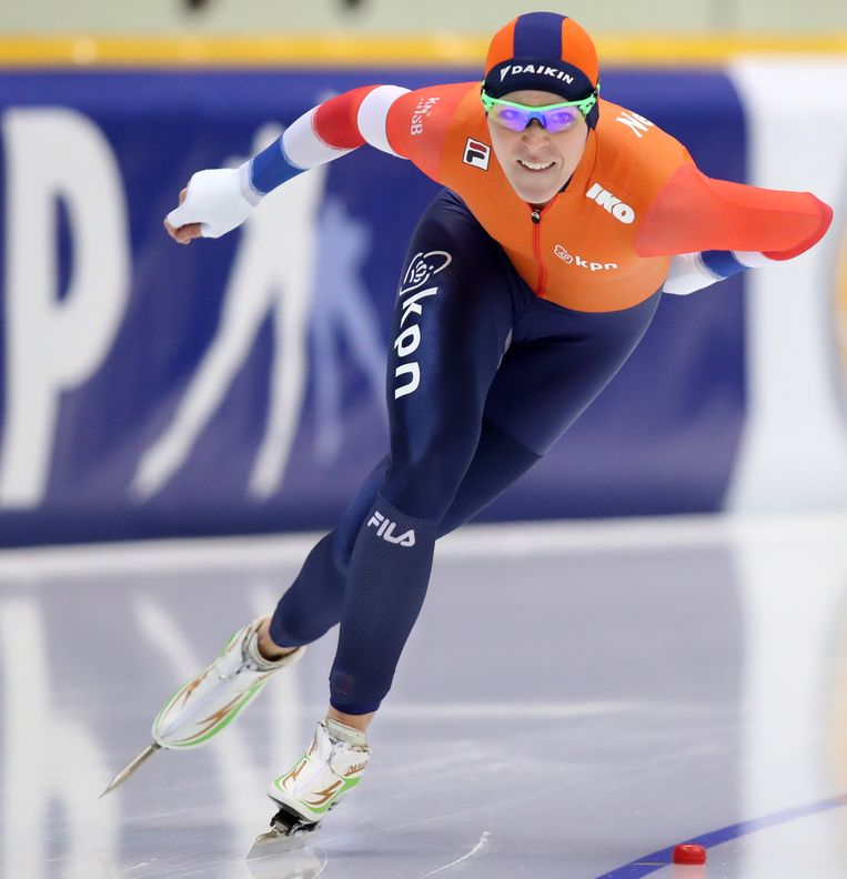 Jorien Ter Mors in actie tijdens de 1000 meter schaatsen in Kazachstan.  Beeld EPA