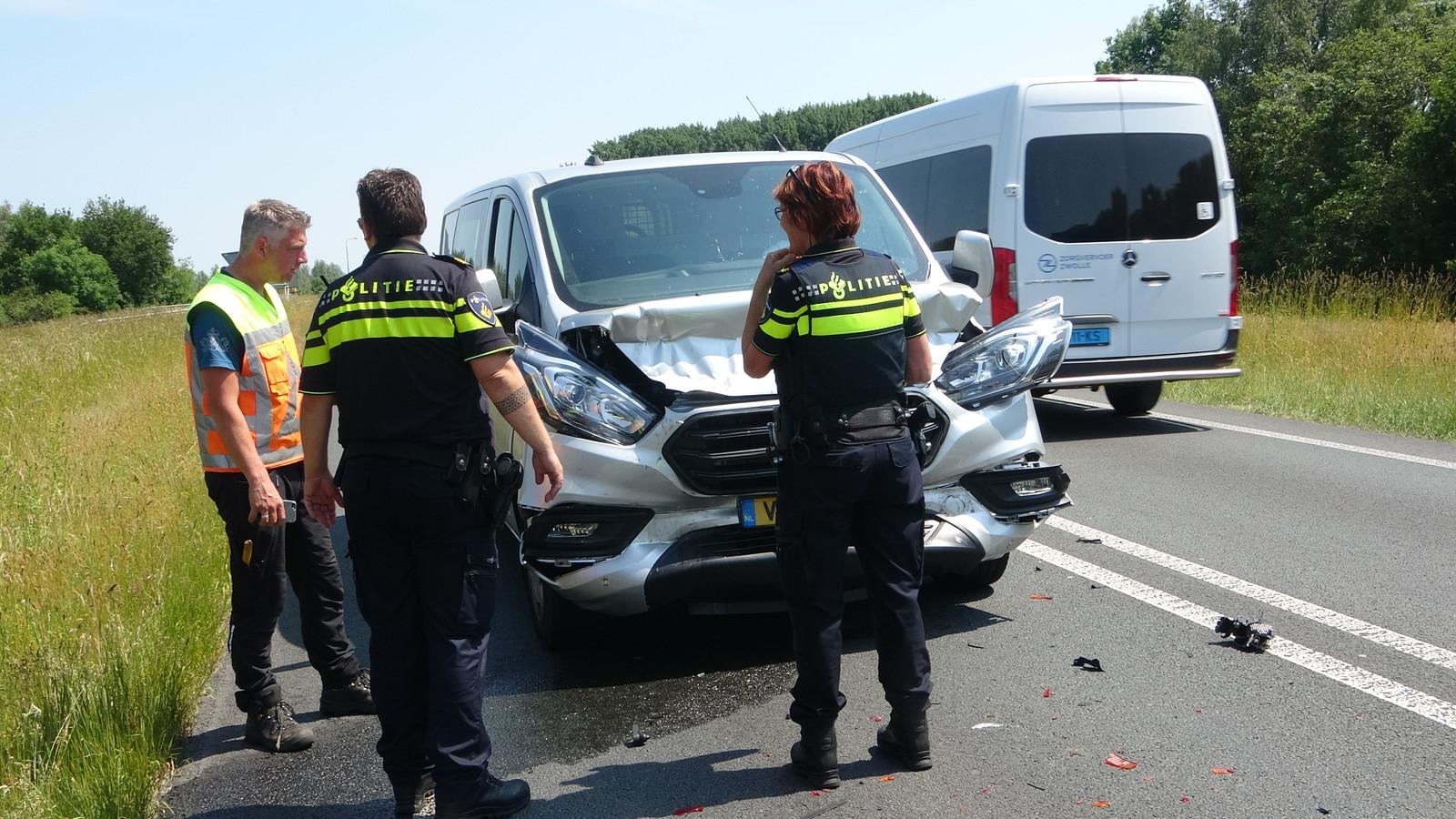 Na een ongeval in Meppel werd de N375 in één richting afgesloten.