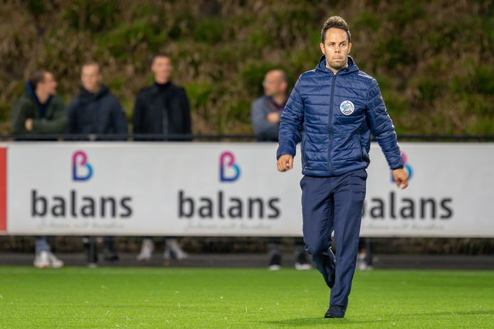 FC Den Bosch-trainer Erik van der Ven afgelopen maandag tijdens de uitwedstrijd tegen Jong AZ (2-2).