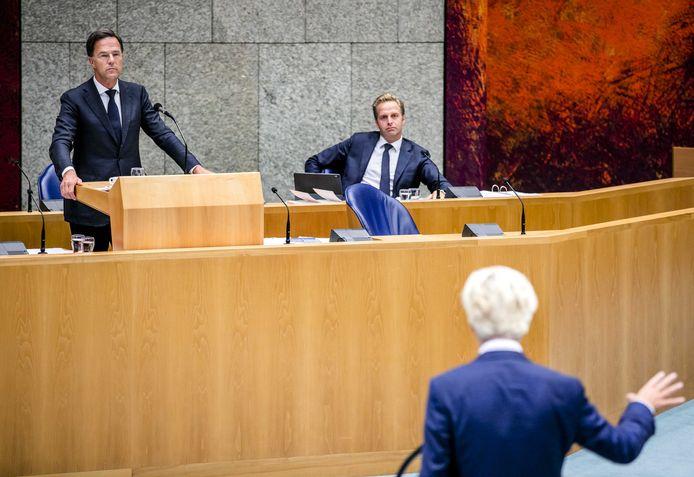 Premier Mark Rutte en minister Hugo de Jonge bij het coronadebat.