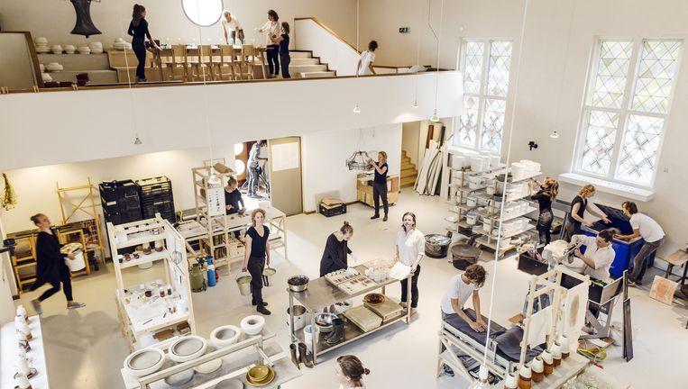 De voormalige kerk in Eindhoven, nu ontwerpstudio AtelierNL. Beeld Lars van den Brink
