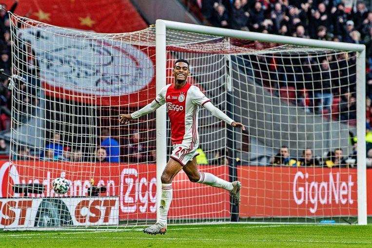 Ryan Gravenberch viert zijn doelpunt, vorig seizoen tegen Sparta. Beeld Guus Dubbelman / de Volkskrant