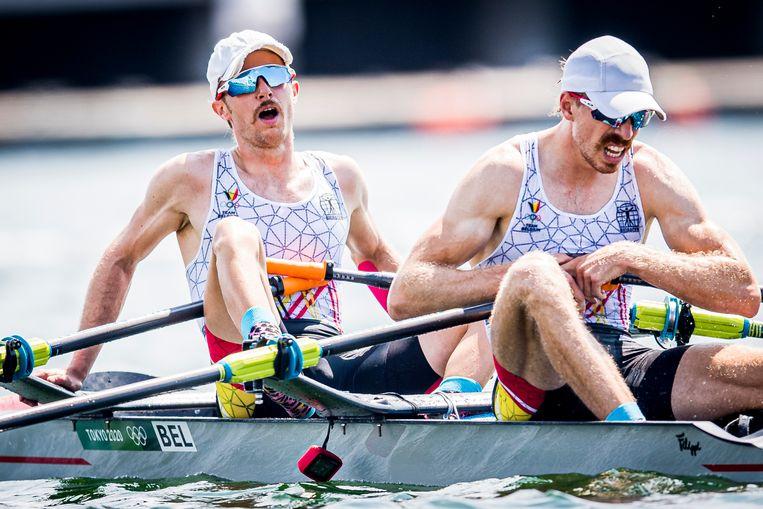 Niels Van Zandweghe en Tim Brys zijn tot het uiterste gegaan in hun finale van de lichte dubbeltwee op de Spelen in Tokio. Beeld BELGA