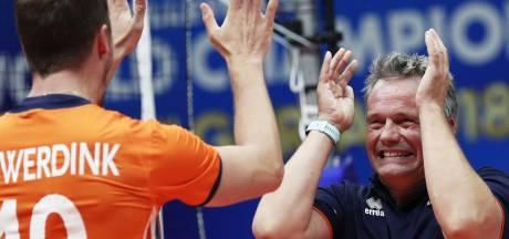 Volleyballers in Milaan tegen Italië en Finland
