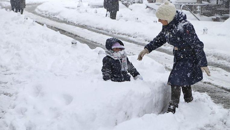 In Istanboel viel vannacht 40 centimeter sneeuw. Beeld ap