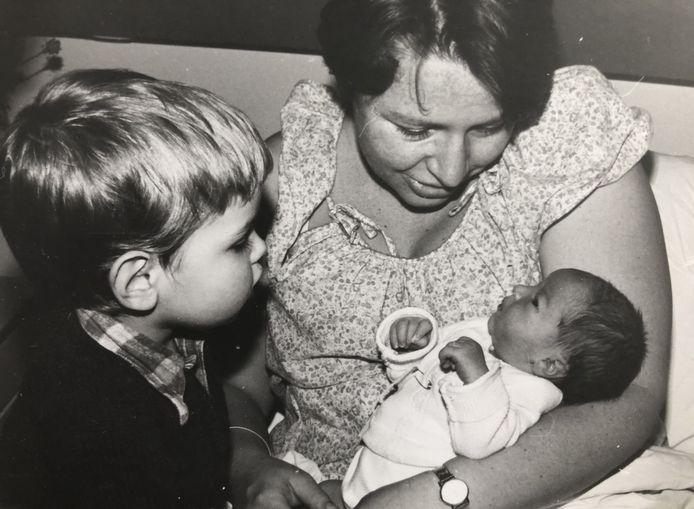 Birgit met zoon Coen en dochtertje Margriet