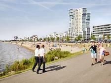 Extra terrassen bij strand in Nesselande