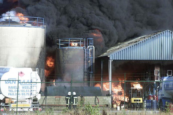 De brand bij Van Raak in 2001.