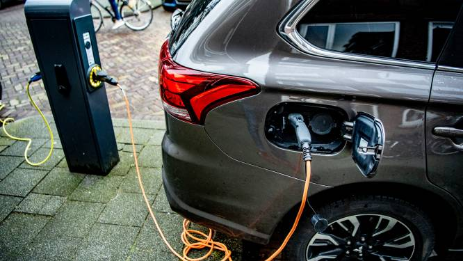 Akkoord over vergroening bedrijfswagens: vanaf 2026 enkel nog emissievrije auto's volledig fiscaal aftrekbaar