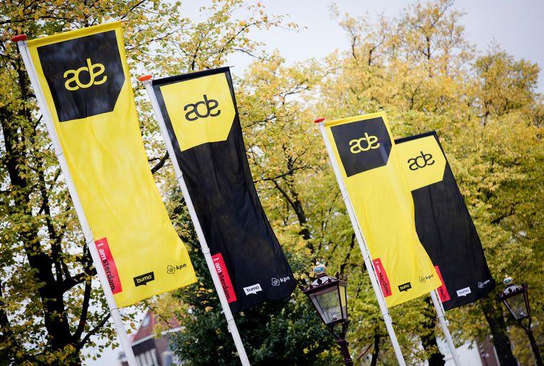 Tijdens evenementen als het  Amsterdam Dance Event  worden Uberchauffeurs gestimuleerd om 's nachts lang te werken. Beeld anp