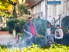 Alerte buren blussen zelf hegbrand in Tilburg