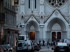 """Trois morts dans """"une attaque islamiste"""" contre une basilique de Nice, la France en alerte"""