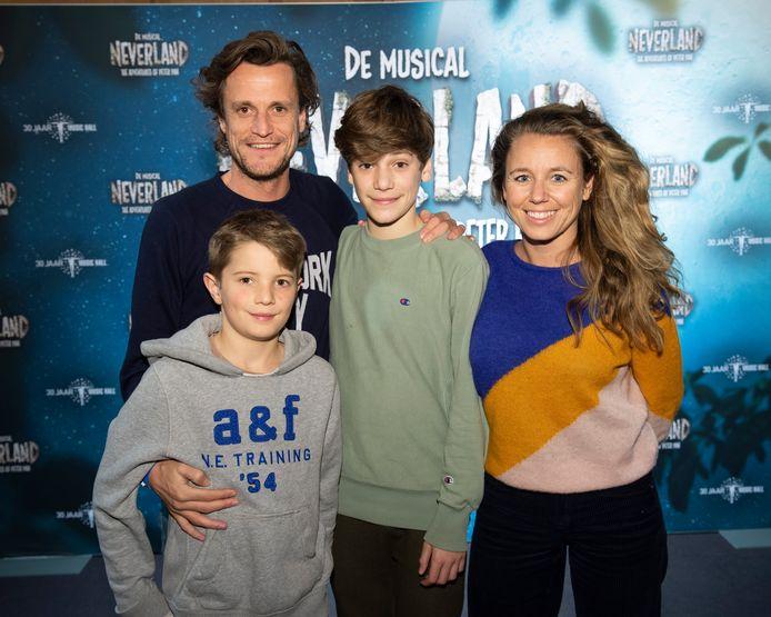 Tim Van Aelst met echtgenote en kinderen