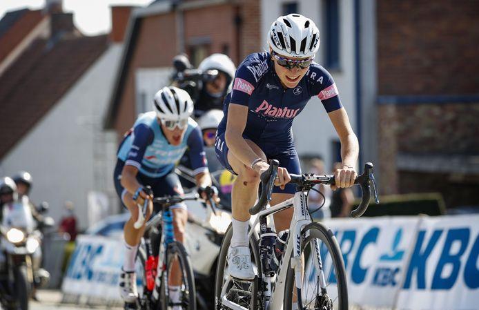 Yara Kastelijn in actie tijdens de Ronde van Vlaanderen: 'Zonder die val  had er een plek in de top-10 ingezeten.'