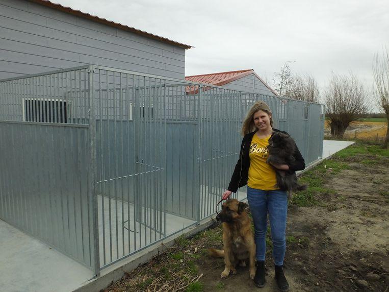 Lieselot Dumoulin met haar honden Shendor en Zazoe.
