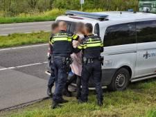 Automobiliste aangehouden nadat ze politieagent schopt en blaastest weigert na ongeluk in Tilburg