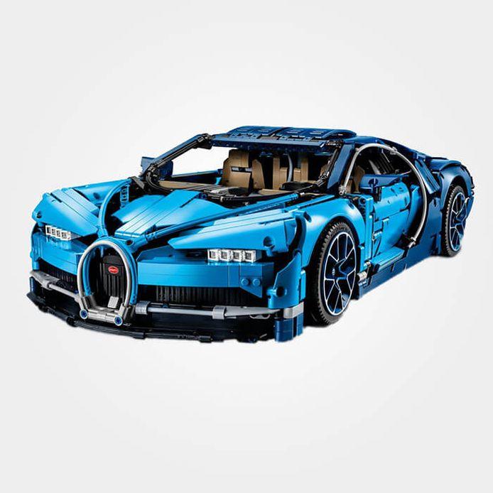 Om deze Bugatti te bouwen ben je tussen 12 en 24 uren zoet. Hij is gemaakt van 3.599 steentjes.