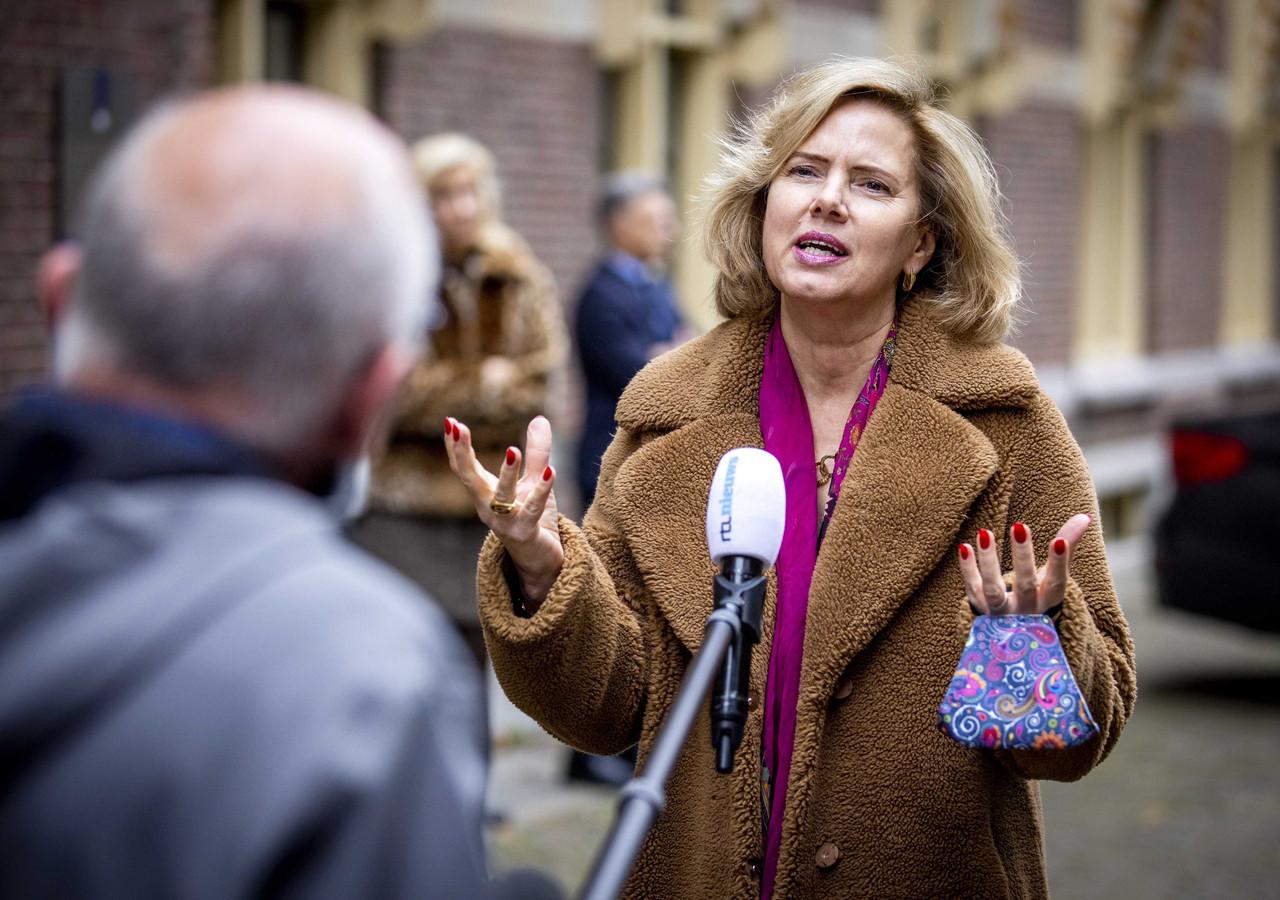 Minister Cora van Nieuwenhuizen (Infrastructuur en Waterstaat) op het Binnenhof.