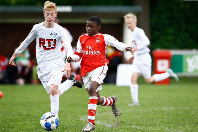Dit jaar geen jeugdige talenten van allerlei Europese topclubs op de velden van RKZVC.