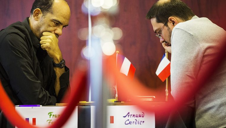 De Fransen Frantz Forbin (links) en Arnaud Cordier in Emmen tijdens hun partij van zondag. Beeld Jiri Buller