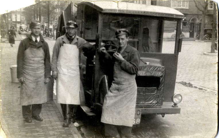 Vuilnisman Gerrit Schmidt in 1939 Beeld Stadsarchief Amsterdam