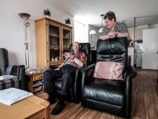 Johnny (73) zit klem door defecte lift: 'Liever dood dan de hele dag vast zitten in ons appartement'