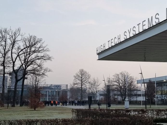 Vanwege het vrijkomen van een giftige stof is Thales in Hengelo woensdagochtend ontruimd.