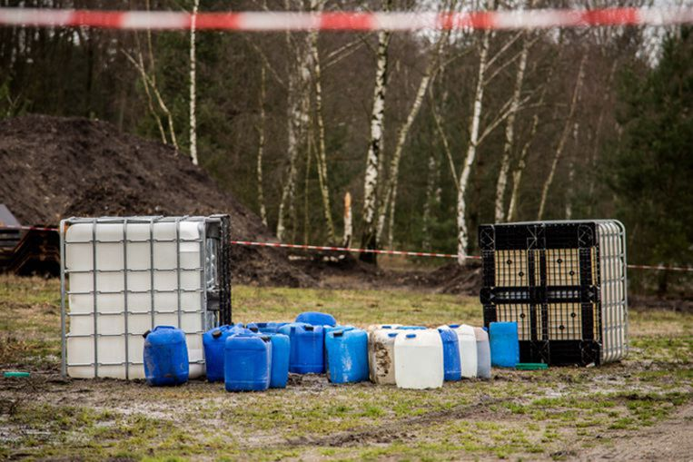 Deze vaten werden begin dit jaar in Lommel aangetroffen.