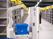 In het verbouwde distributiecentrum van Kruidvat in Ede werken nu ook robots